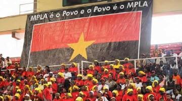 MPLA embandeira em arco