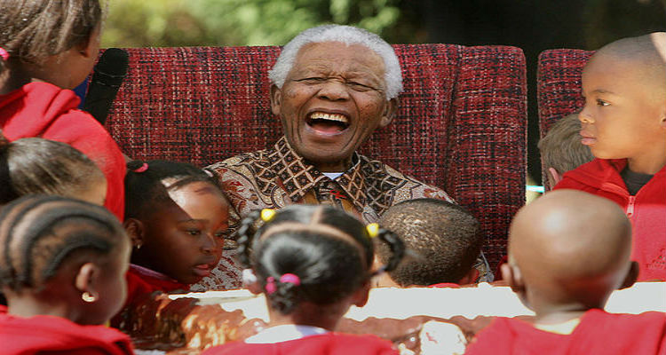 Eduardo dos Santos e Nelson Mandela - Folha 8