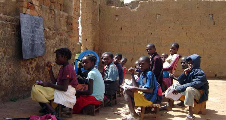 Em África faltam bons professores