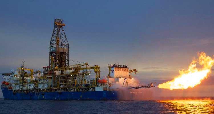 Moçambique e Tanzânia com 800 mil barris de petróleo/dia em 2025