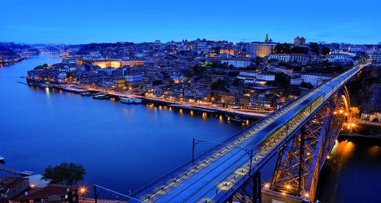Turistas angolanos não deixem os seus gastos por carteiras alheias - Folha 8