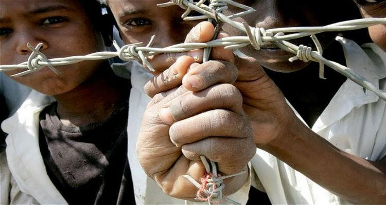 Papa pede luta contra formas modernas de escravatura - Folha 8