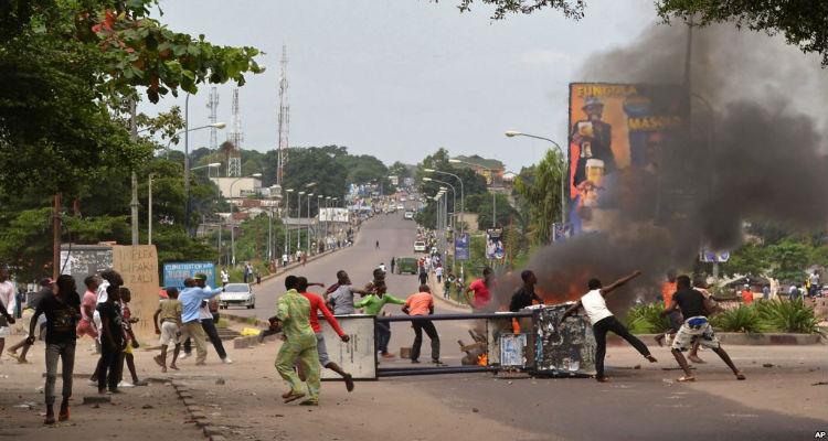 Primavera anda por Kinshasa - Folha 8