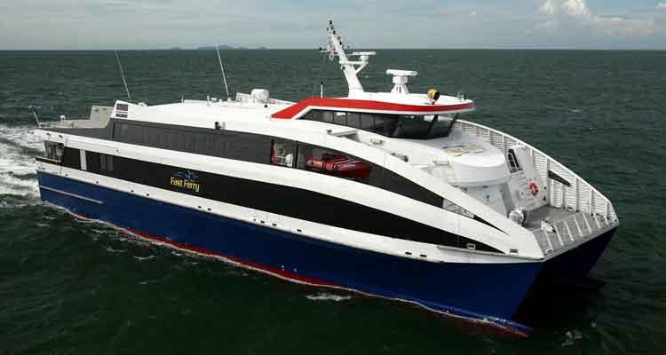 """Governo compra """"ferryboat"""" para ligar Luanda a Cabinda - Folha 8"""