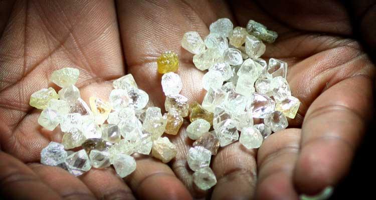 Impostos dos diamantes renderam 85 milhões - Folha 8