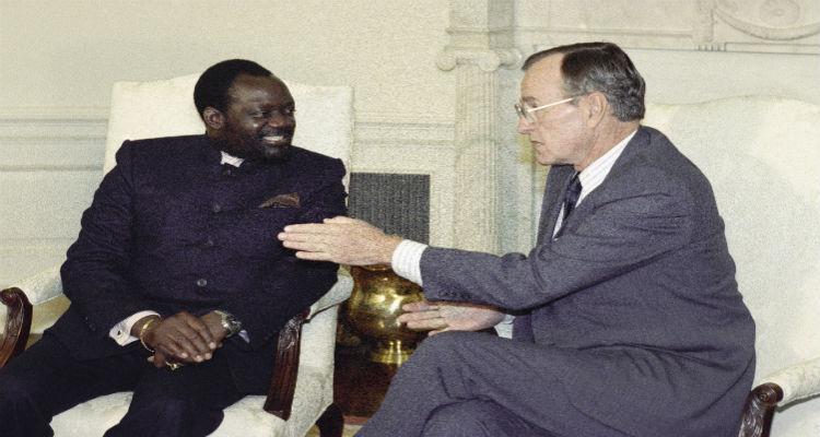 savimbi-eua-angola
