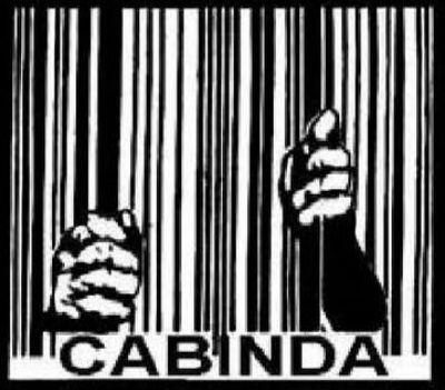 Cabinda continua aprisionada. Os Cabindas continuam a lutar. Acreditam, e bem, que só é derrotado quem deixa de lutar.
