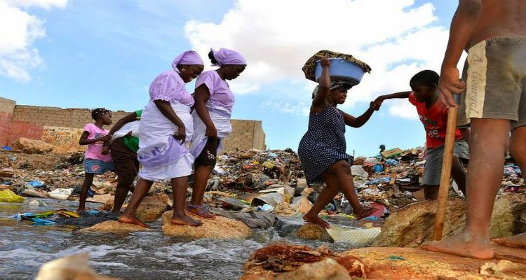 Clima de paz permite reconstruir o país - Folha 8