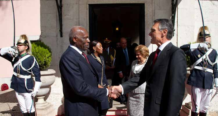 Cavaco felicita, como não poderia deixar de ser, o amigo Eduardo dos Santos