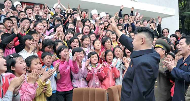 Regime formata as crianças. Kim Jong-un não faz melhor