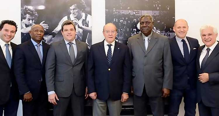 Comitiva do FC Porto visita Angola - Folha 8
