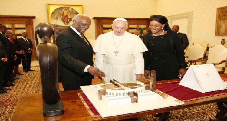 FLEC/FAC apela ao Papa Francisco - Folha 8