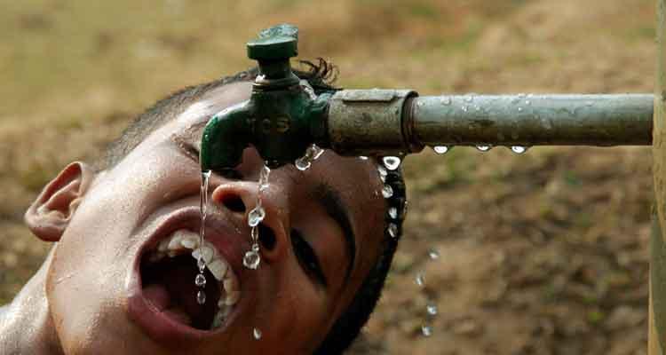 UE e UNICEF juntos no abastecimento de água - Folha 8
