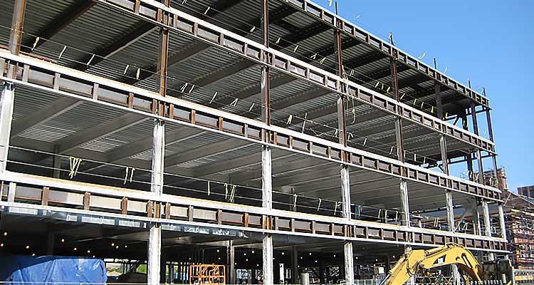 Luanda vira capital das construções metálicas - Folha 8