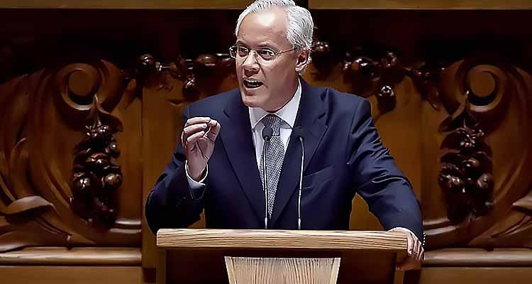 Miguel Macedo Ex-líder parlamentar, ex-ministro - Folha 8