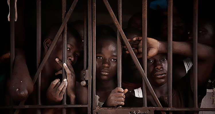 Angola tem mais de 23 mil reclusos - Folha 8