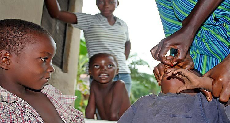 OMS oferece equipamento para vigilância do vírus da pólio - Folha 8