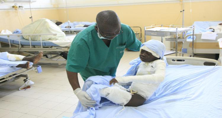 Faltam médicos no hospital para queimados