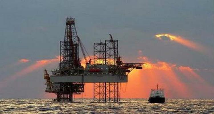 Preço do petróleo baralha esbanjamento do regime - Folha 8