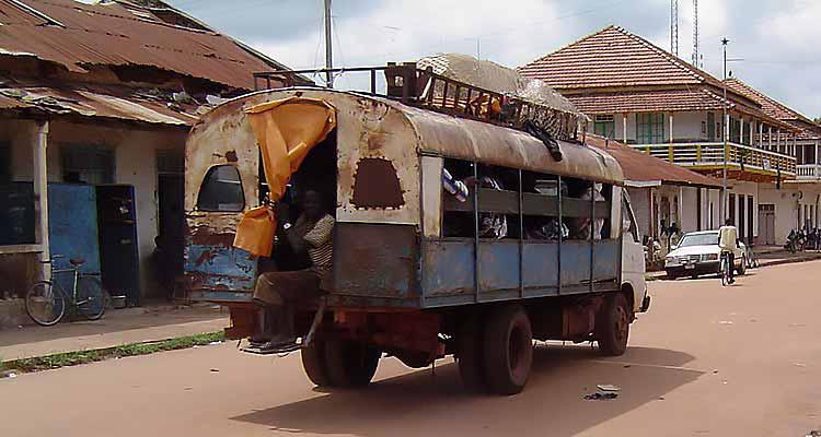 Estabilidade pode tirar Guiné-Bissau da miséria - Folha 8