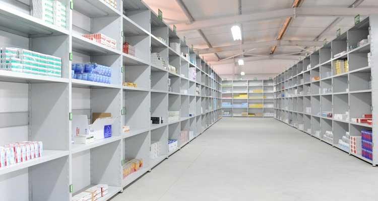 Portugal com centro de distribuição de medicamentos em Luanda - Folha 8