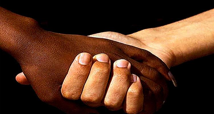 Racismo (ainda) soma pontos - Folha 8