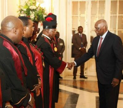 Qualquer semelhança de Angola com um Estado de Direito Democrática não é mera coincidência. É engano.