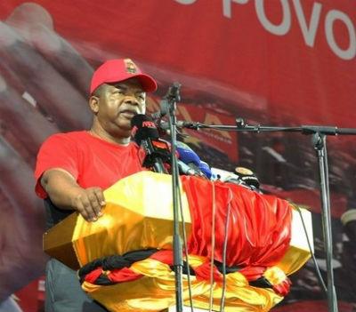 O povo é o MPLA e o MPLA é o povo, é isso não é senhor general João Lourenço?
