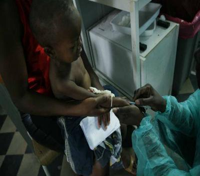 """""""Todas as crianças, independentemente de onde vivam ou quais sejam suas circunstâncias, têm o direito de sobreviver e prosperar, e a estar protegidas contra as doenças mortais""""."""