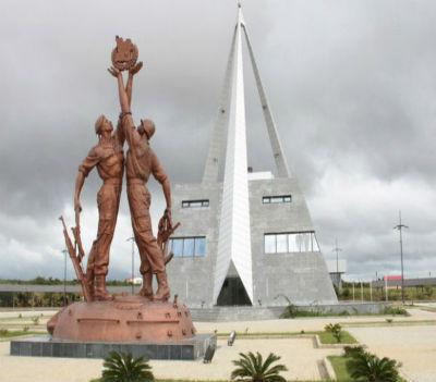 Memorial sobre a Vitória da Batalha do Cuito Cuanavale, ou um monumental memorial à mentira do regime.